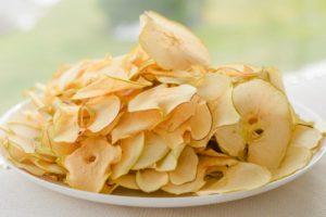 YAbluchni chipsy. 1280x854 300x200 - YAbluchni-chipsy.-1280x854