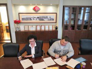 podpisali soglashenie 300x225 - подписали соглашение